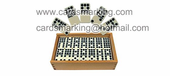 Unsichtbare Tinte zum Markieren von Domino