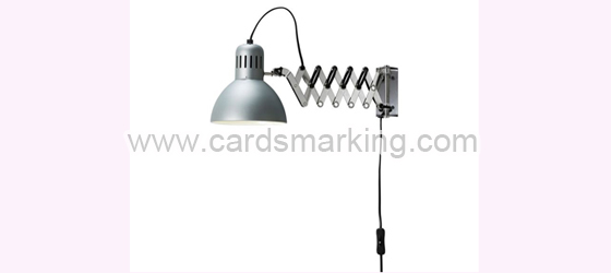 Silberfarbene Wandmalerei Lampe mit IR-Kamera